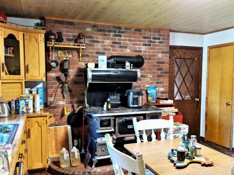 W8052 Maple Ridge Rd, Lake, WI by Hilgart Realty Inc $149,900
