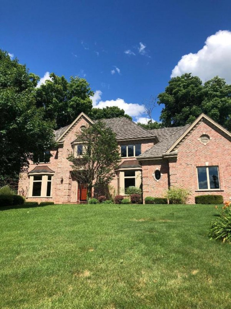 W257S7640 Prairieside Ct Waukesha, WI 53189 by Re/Max Realty Center $719,000