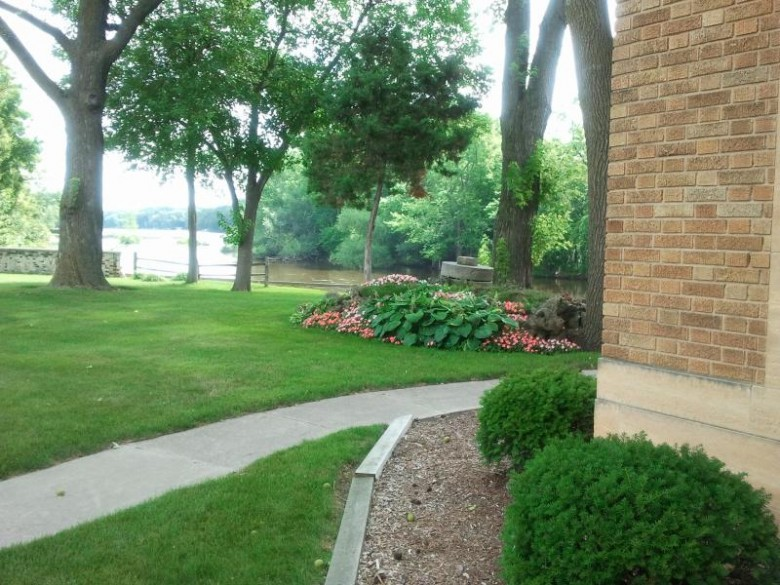 118 Green Bay Rd, Thiensville, WI by Coldwell Banker Realty $649,900