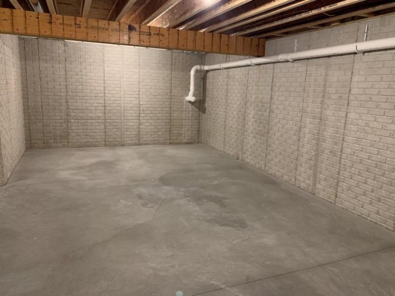 2130 Farmlane Dr Slinger, WI 53086 by First Weber Real Estate $324,900