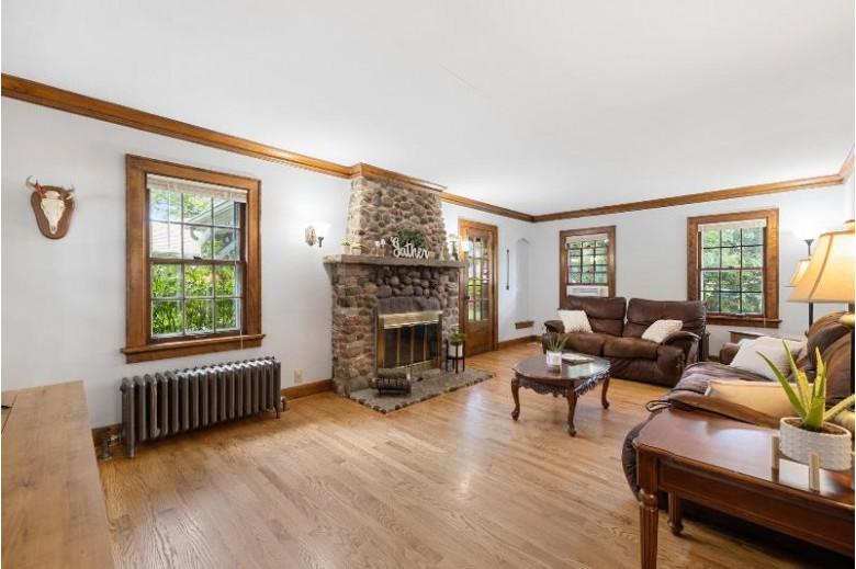1812 Summit Ave Waukesha, WI 53188 by The Kirchoff Group Llc $224,900