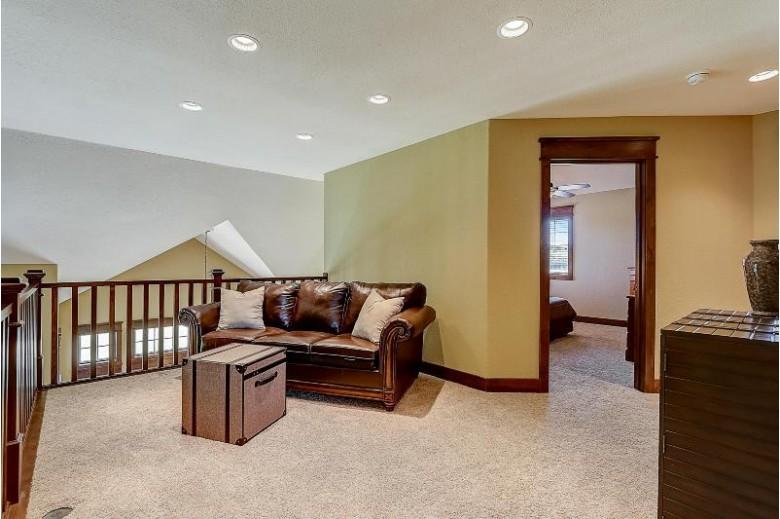 N36W23455 Oak Hill Ln, Pewaukee, WI by Exp Realty, Llc~milw $929,500