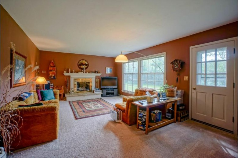 16025 Tomahawk Trl, Brookfield, WI by Lake Country Flat Fee $389,900