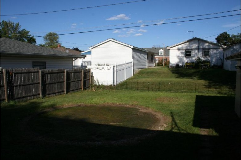 2129 Golf Ave, Racine, WI by Re/Max Newport Elite $155,000