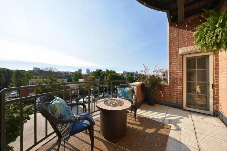 1809 N Commerce St 102 Milwaukee, WI 53212-3786 by First Weber Real Estate $323,500
