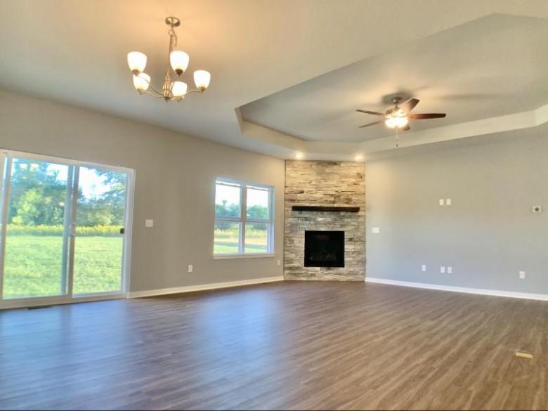 W275N6897 Florence Ct Hartland, WI 53029-7001 by Lake Country Flat Fee $524,900