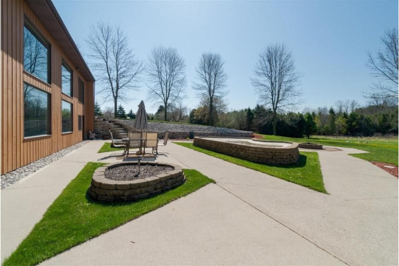 4751 Silver Creek Rd, Manitowoc, WI by Coldwell Banker Real Estate Group~manitowoc $376,800