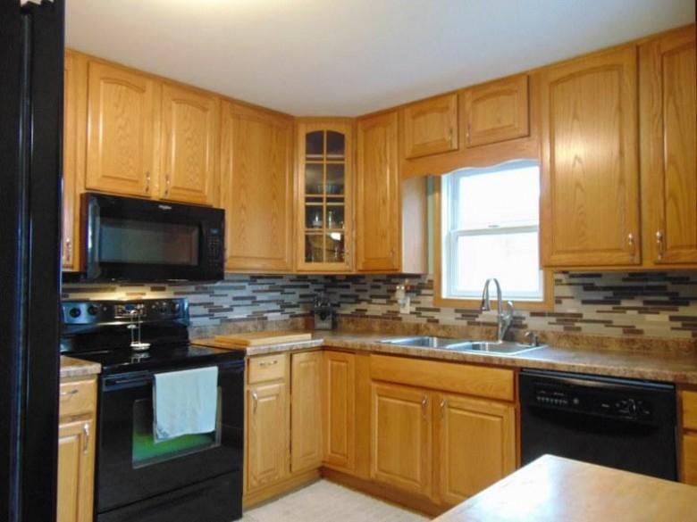S11W30439 Summit Ave Waukesha, WI 53188-9478 by Shorewest Realtors, Inc. $225,900
