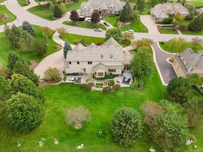 1704 E Bristlecone Dr Hartland, WI 53029-8676 by First Weber Real Estate $699,000