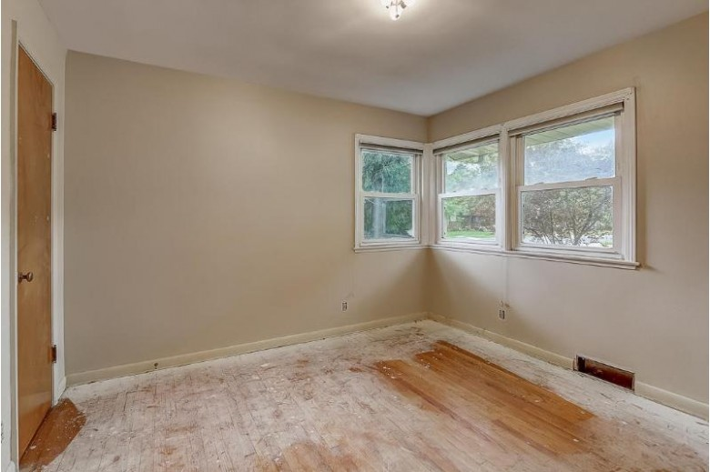 2902 Nottingham Way Madison, WI 53713-3454 by The Real Estate Center, A Wisconsin Llc $239,900