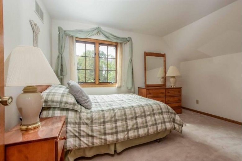 N74W22421 Alta Vista Dr Sussex, WI 53089 by First Weber Real Estate $462,000