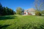 105 Trails Edge Ct, Hartland, WI by Lake Country Flat Fee $489,900
