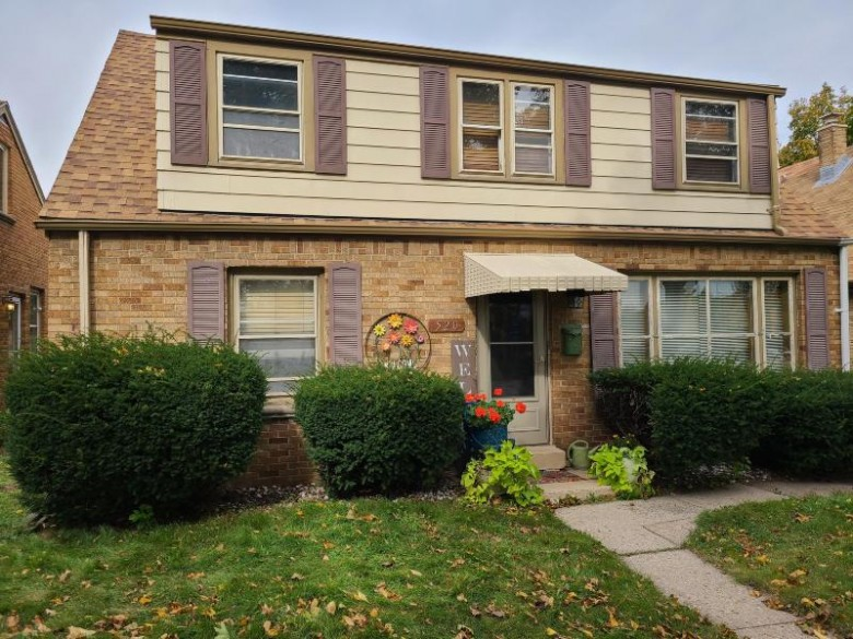 520 W Howard Ave 520A Milwaukee, WI 53207-3815 by Realty Executives - Integrity $179,800