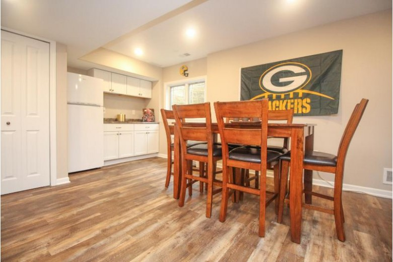 8502 S Deerwood Ln 45 Franklin, WI 53132-8006 by Redefined Realty Advisors Llc $349,900