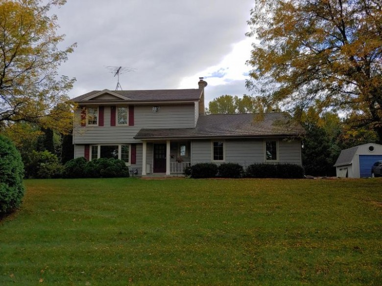 1731 Cherokee Dr, West Bend, WI by Re/Max United - West Bend $279,900