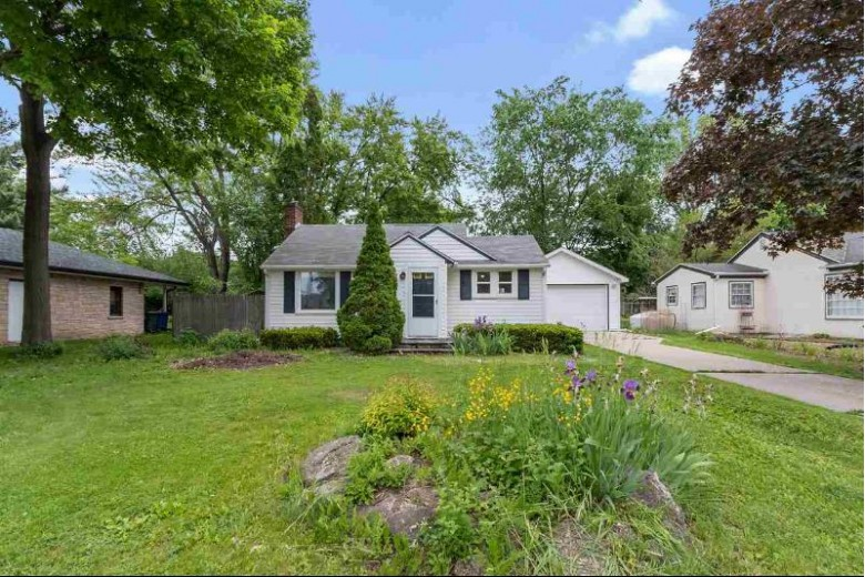 836 N Webster Avenue, De Pere, WI by Resource One Realty, LLC $112,800