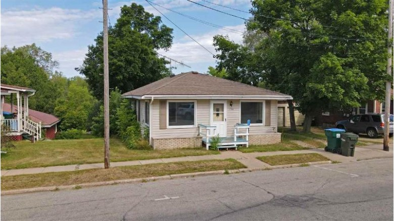 520 Main Street Wild Rose, WI 54984 by RE/MAX Lyons Real Estate $66,000