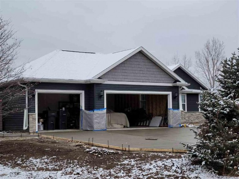 W4095 Thornwood Drive, Fond Du Lac, WI by Roberts Homes and Real Estate $359,900