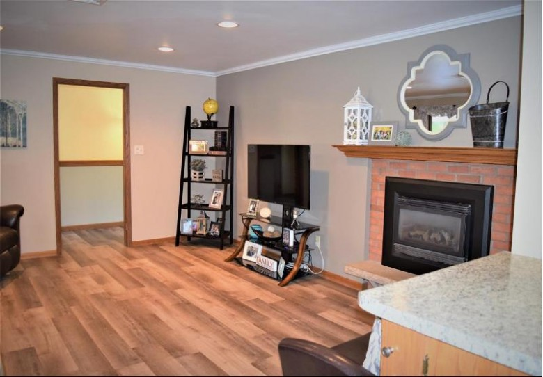 1410 E Marhill Road Green Bay, WI 54313 by Express Realty LLC $359,900