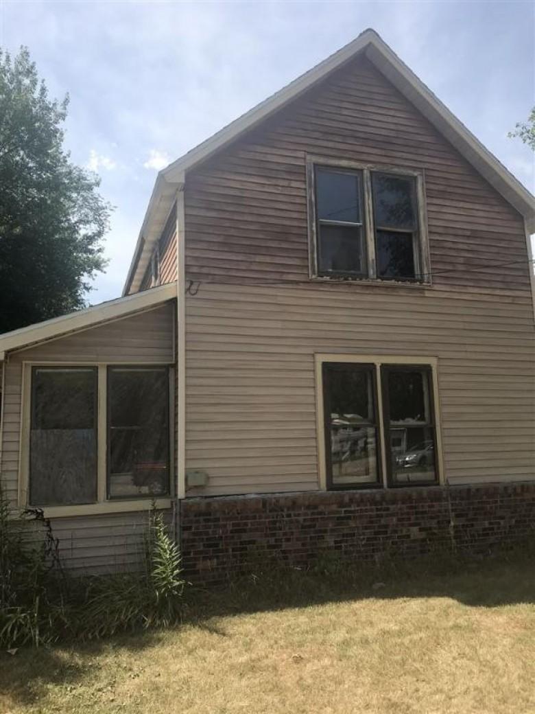 514 Bridge Lane Redgranite, WI 54970-9538 by Coldwell Banker Real Estate Group $45,000