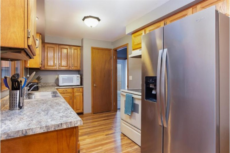 913 W Browning Street Appleton, WI 54914-2153 by Century 21 Ace Realty $169,900