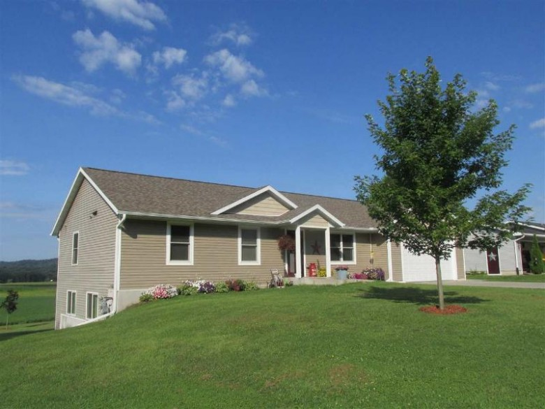 28414 Clary Ln, Richland Center, WI by Century 21 Complete Serv Realty $195,000