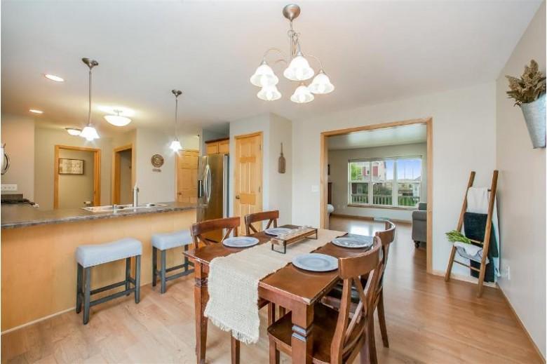 517 Pine Lawn Pky Verona, WI 53593 by Stark Company, Realtors $315,000