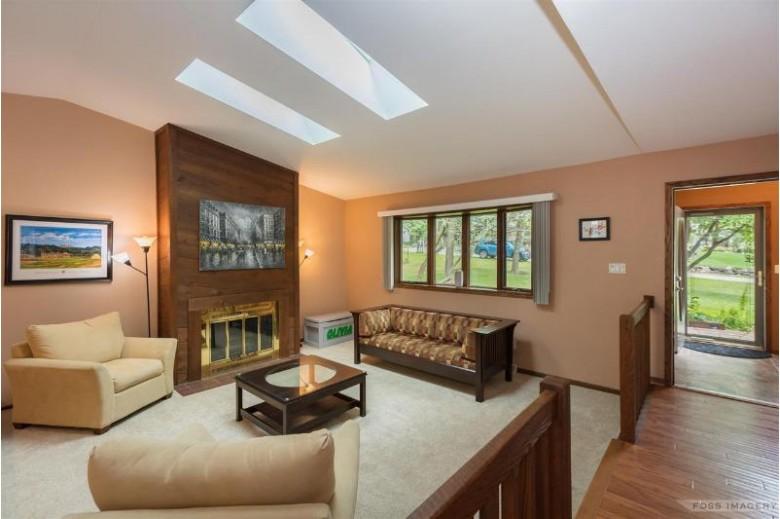 1091 Black Oak Tr Deerfield, WI 53531 by Bunbury & Assoc, Realtors $399,900