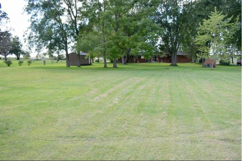 N6710 High Point Rd Juneau, WI 53039 by Century 21 Affiliated $255,000