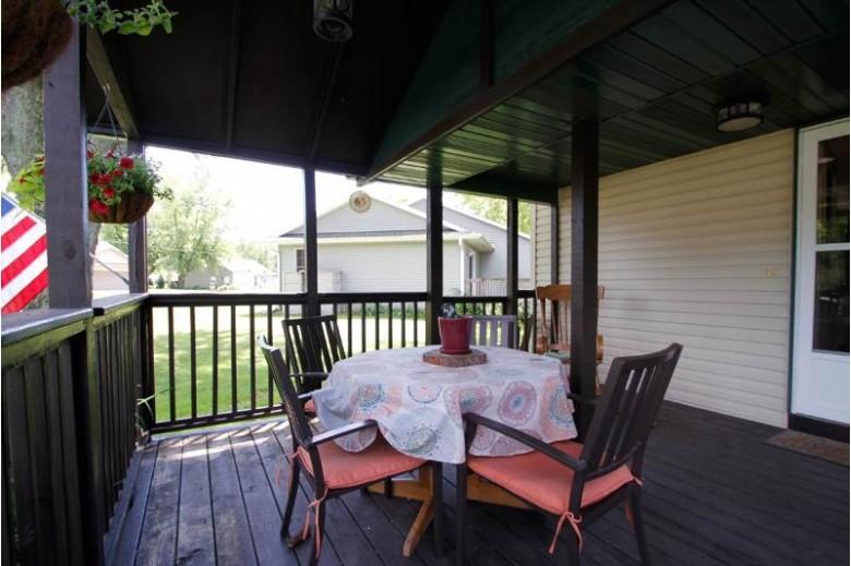 S8033 Maple Park Rd Prairie Du Sac, WI 53578 by Nth Degree Real Estate $209,900