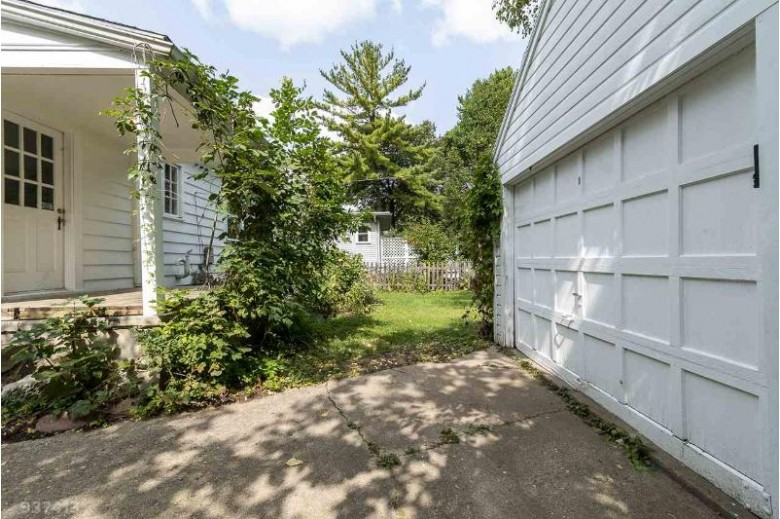 905 Columbia Rd, Madison, WI by Sprinkman Real Estate $350,000