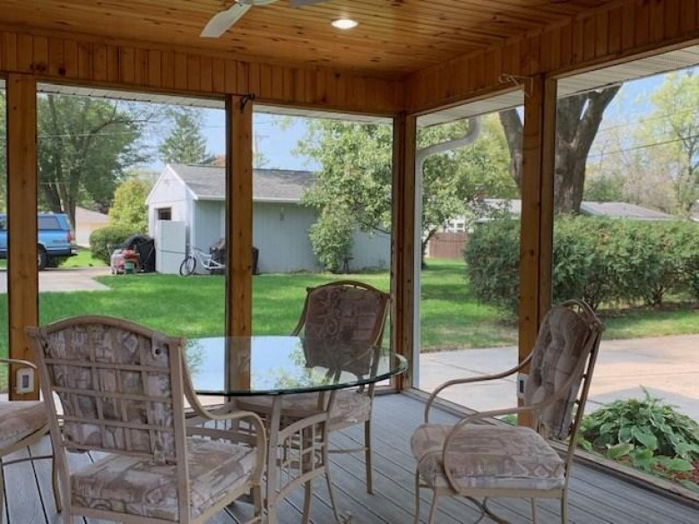608 West St Stoughton, WI 53589 by Matson & Assoc., Inc. Real Living $264,900