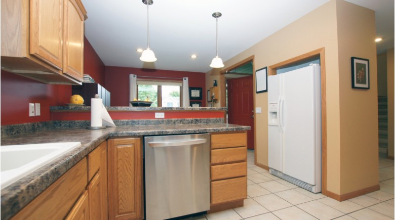 5506 Shale Rd Fitchburg, WI 53711 by First Weber Real Estate $384,900