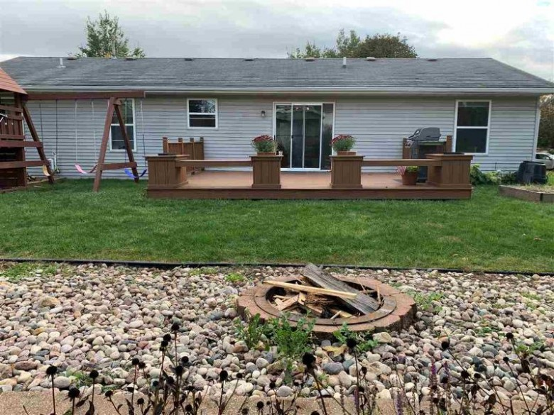 276 Crestview Ln Lake Mills, WI 53551 by Openhomes Inc. $274,900