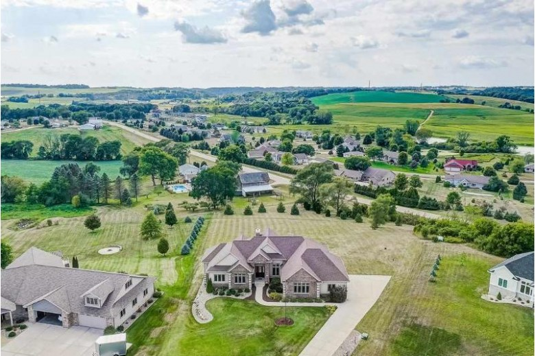 6243 Amethyst Dr, Waunakee, WI by Re/Max Preferred $749,900