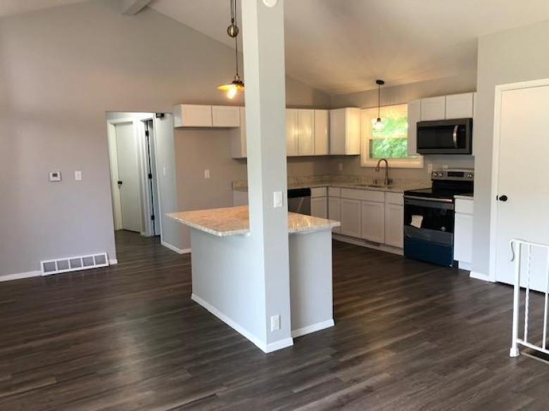 2811 Manor Ave Mount Pleasant, WI 53406 by Re/Max Realty 100 $299,900