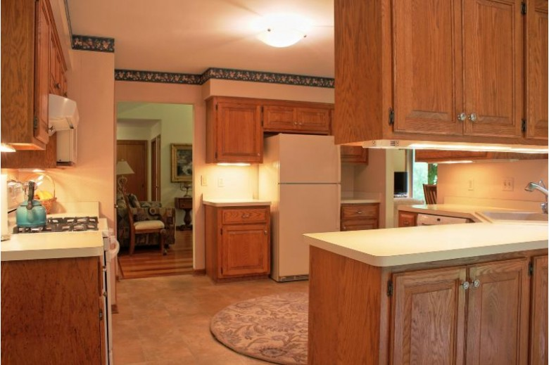 12915 Eastbrook Pl, Brookfield, WI by Realty Executives Integrity~northshore $335,000