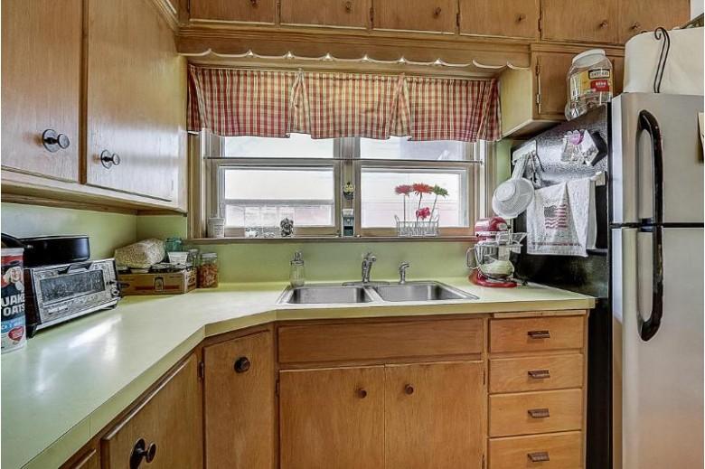 W63N677 Washington Ave, Cedarburg, WI by Re/Max United - Port Washington $699,900