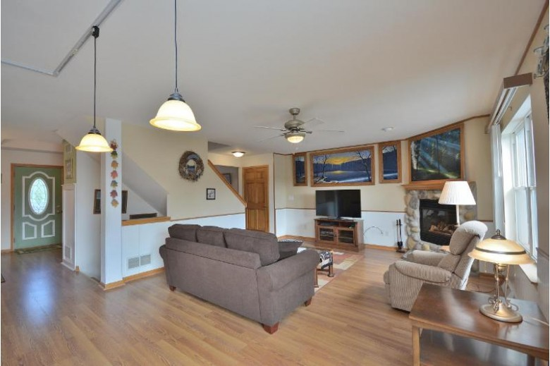 N67W23667 Linda Dr Sussex, WI 53089-2710 by First Weber Real Estate $357,500