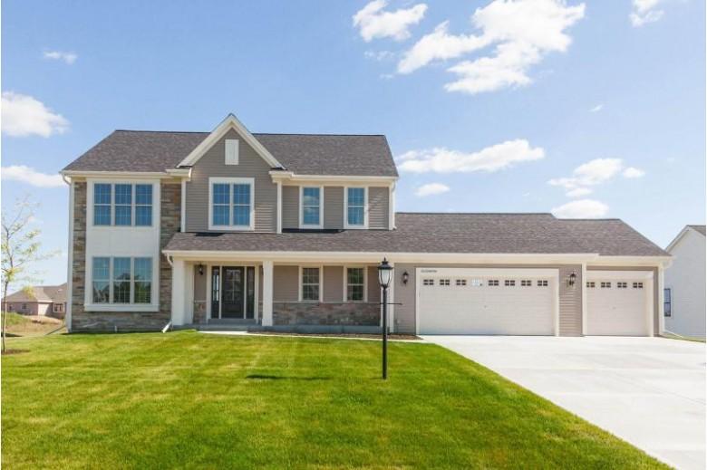 W222N4700 Seven Oaks Dr Pewaukee, WI 53072-2010 by Bielinski Homes, Inc. $559,900