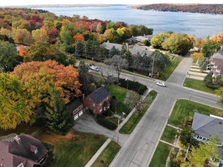 422 Campbell St, Lake Geneva, WI by Re/Max Plaza $469,900