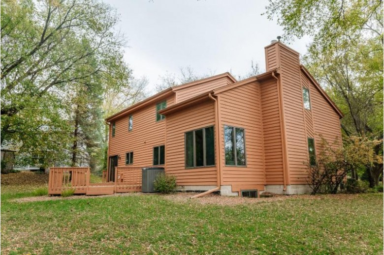 20230 Liberty Ct, Brookfield, WI by Re/Max Realty 100 $439,000