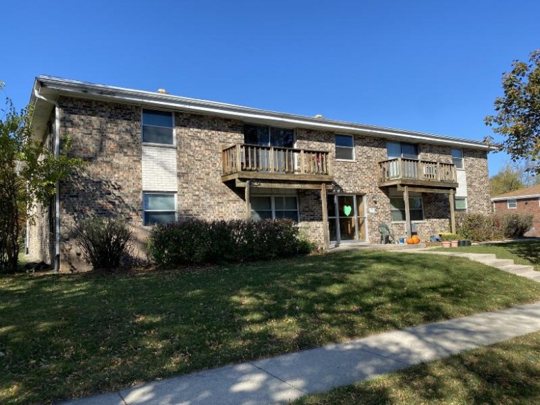 141 Morris St 153, Pewaukee, WI by Smart Asset Realty Inc $1,450,000
