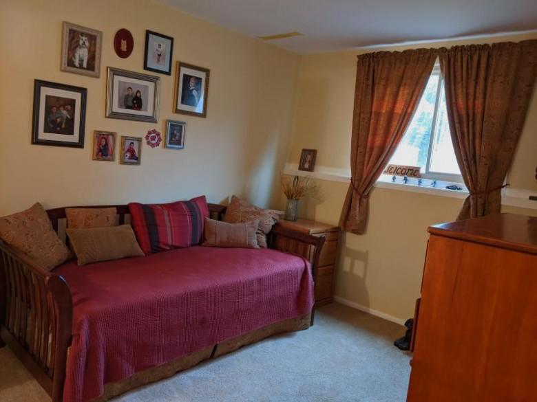 W232N6040 Teakwood Ct W232N6042, Sussex, WI by Homestead Realty, Inc~milw $339,900