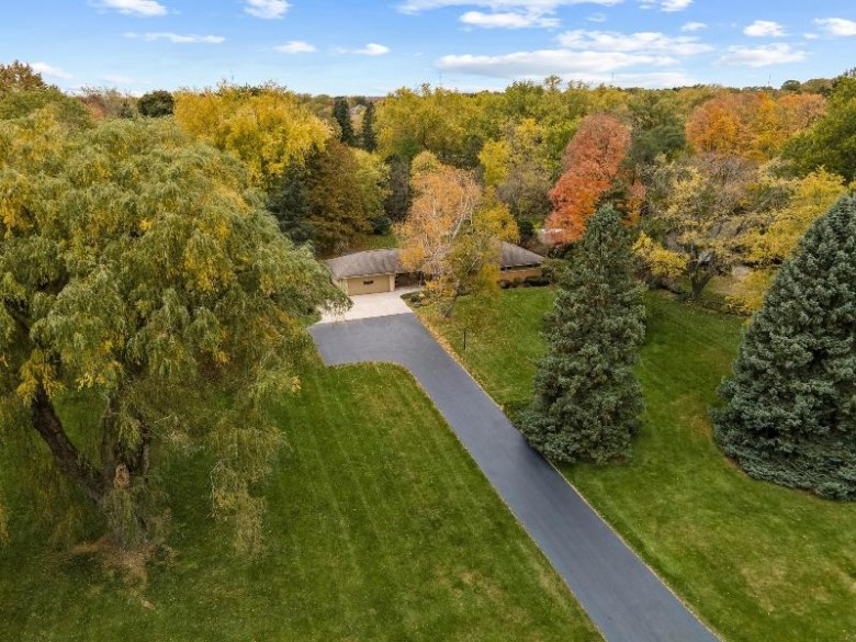 11315 N Solar Ave, Mequon, WI by Coldwell Banker Realty $300,000