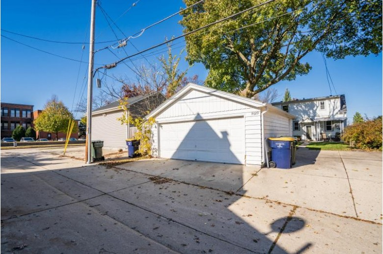 9029 W Schlinger Ave Milwaukee, WI 53214 by Keller Williams Realty-Milwaukee North Shore $199,900