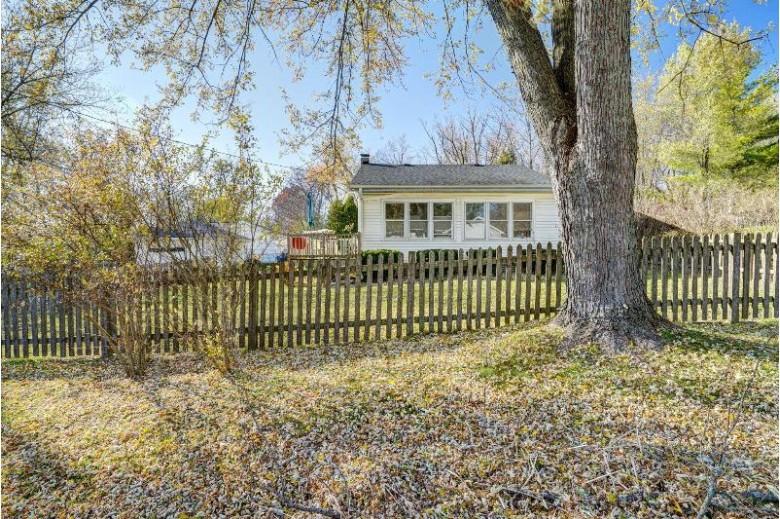 N3221 Walnut Rd, Lake Geneva, WI by Legacy Realty Group Llc $129,900