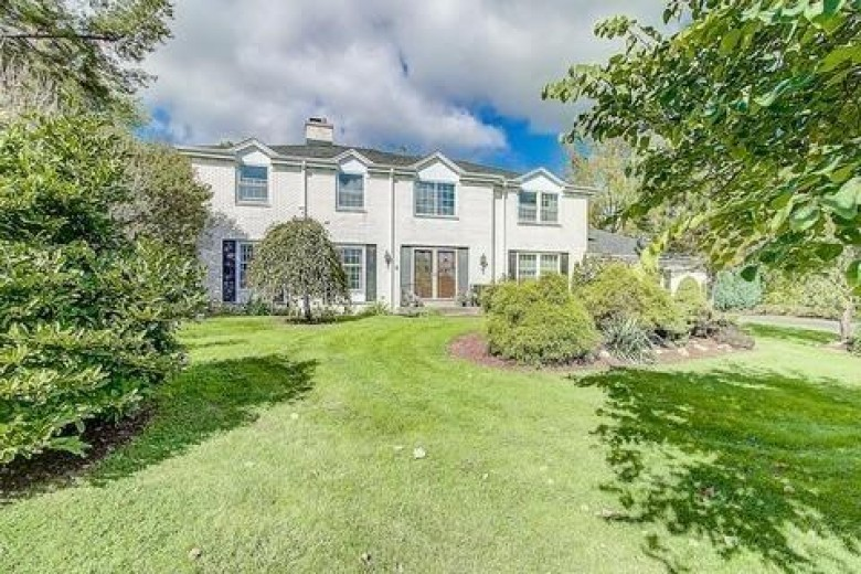 3725 Stonebrook Ct, Brookfield, WI by Non Mls $413,000