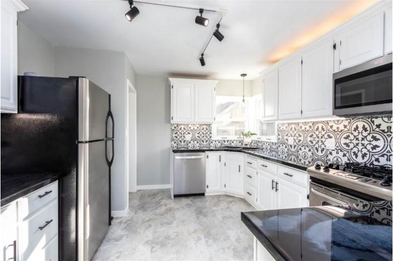 230 S Peck Avenue, Peshtigo, WI by Match Realty Group, LLC $169,900