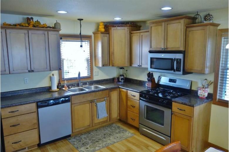 352 E 11th Street, Fond Du Lac, WI by Klapperich Real Estate, Inc. $159,900